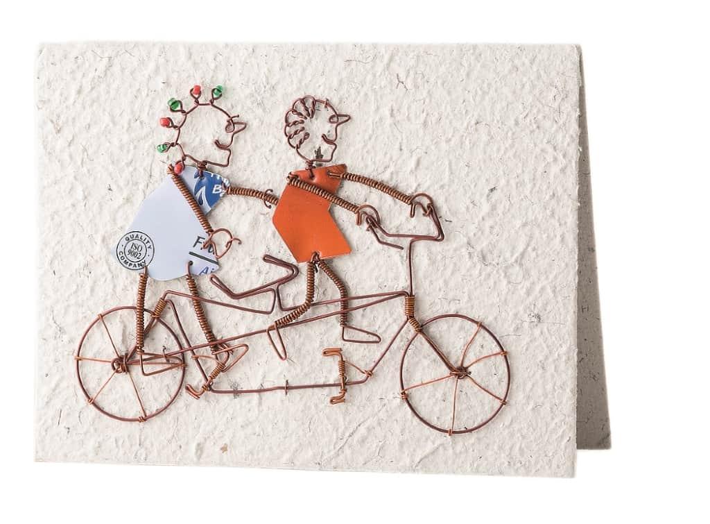 Fair gehandelte Grußkarte von KICK Trading aus Kenia, Motiv Radfahrer