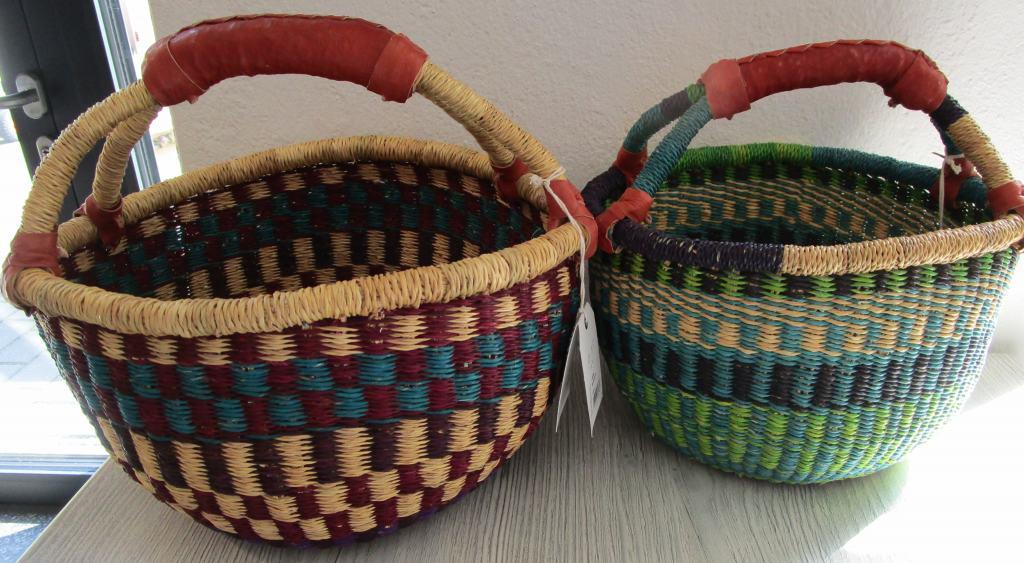 Vielseitig einsetzbare Bolgakörbe sind handgefertigt und in verschiedenen Farben erhältlich.