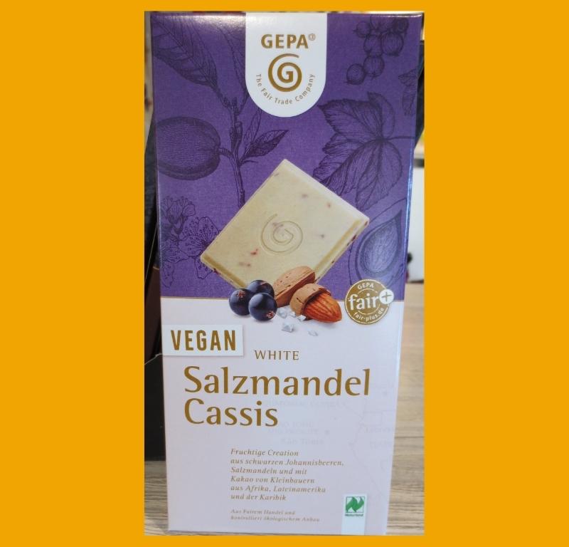 Köstlicher Kontrast: Vegan White Salzmandel Cassis