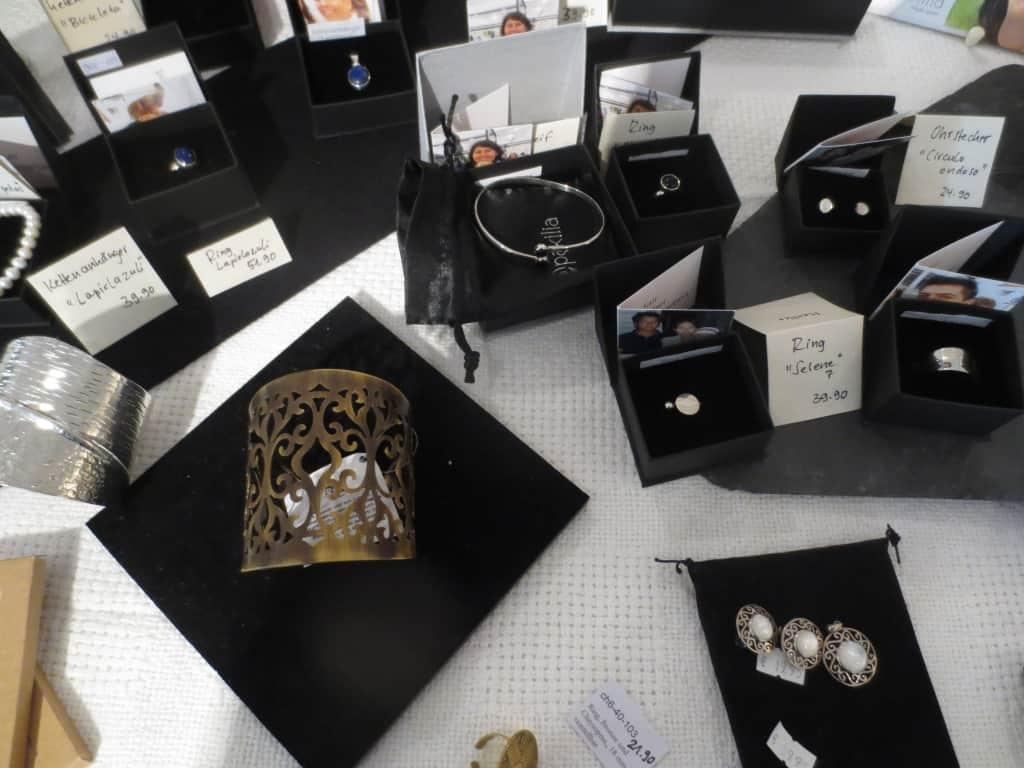 Silberschmuck von Pakilia aus Mexiko