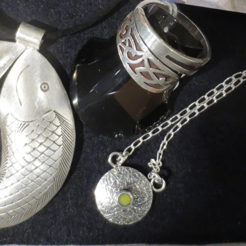 Fair schmückt: Edler Silberschmuck für jeden Anlass