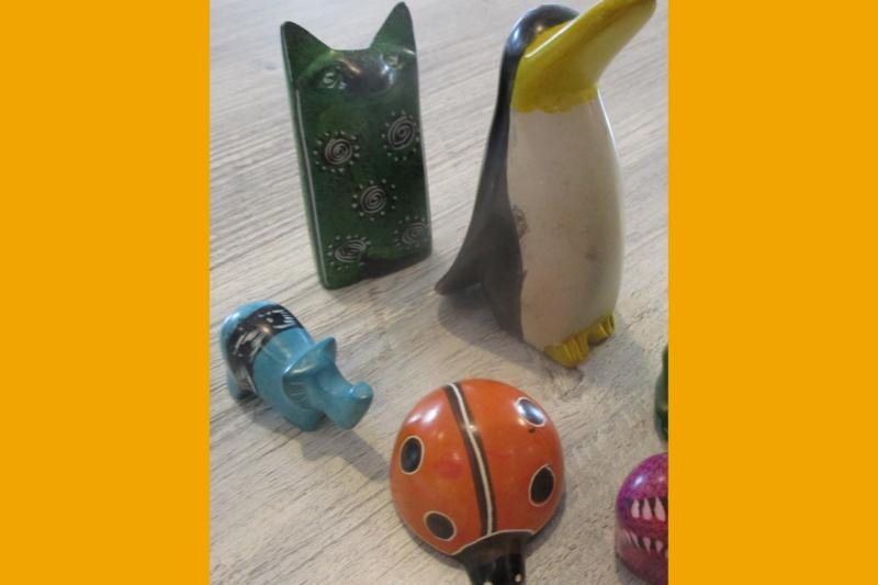 Bunte Tierfiguren aus Speckstein | Weltladen Soltau